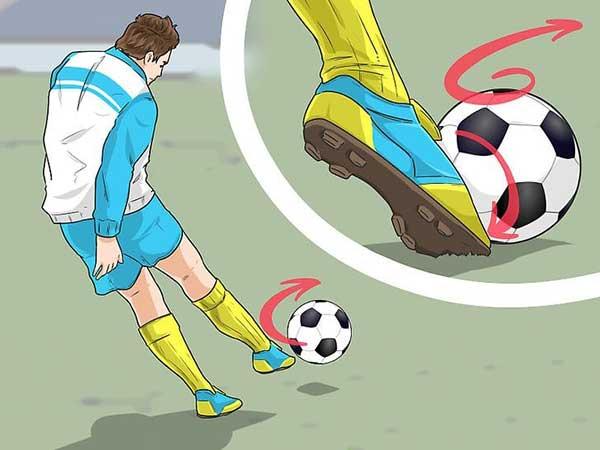 Kỹ thuật đá bóng bằng mu bàn chân chính xác