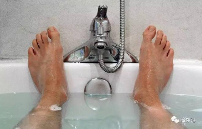 Mơ thấy đi tắm điềm báo gì đánh số gì thì chắc trúng